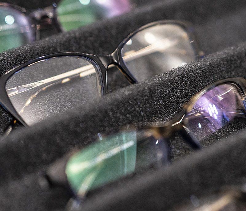 Protecting eyes against UV rays